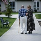 Support groups that encourage walking exercises at home can improve the mobility of patients with peripheral artery disease