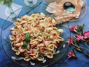 A Salmonella outbreak linked to Hy-Vee Spring Pasta Salad has now sickened 79 people in nine states. Eighteen people have been hospitalized. No deaths have been reported