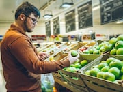 Higher consumption of vegetables and fruits is associated with lower odds of future memory loss in men
