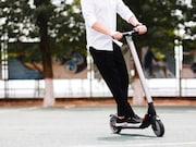 Helmet use is low among patients presenting to the emergency department with injuries associated with standing electric scooter use