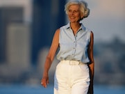 Light physical activity is associated with reductions in coronary heart disease and cardiovascular disease among older women