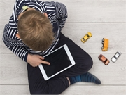 Parents overestimate and underestimate their young children's mobile phone use