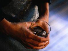 El alcohol tiene un rol en los casos y las muertes por cáncer de EE. UU.